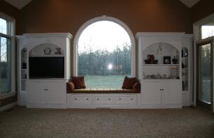 built-in family room entertainment center